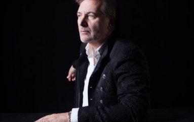 Miguel Mateos reprograma su show ochentoso