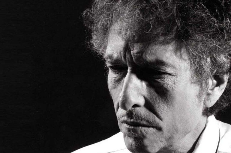 Bob Dylan vuelve tras 8 años