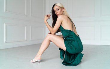 "Mica Magliocco presenta su nuevo single ""Viajar a la Luna"""